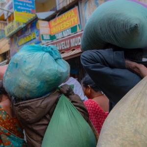 Mercato frutta & fiori in India